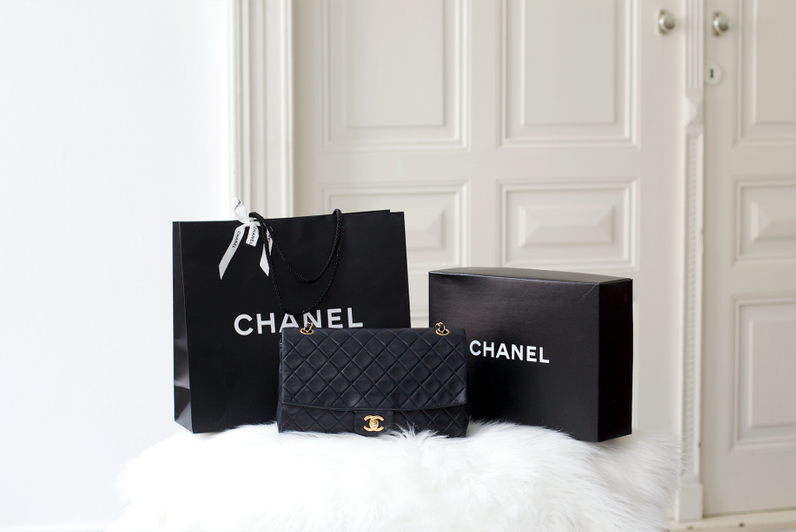 Vintage 2.55 Chanel Navy Blue