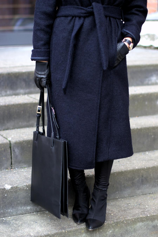 Grey COS Cashmere Hat Outfit Idea