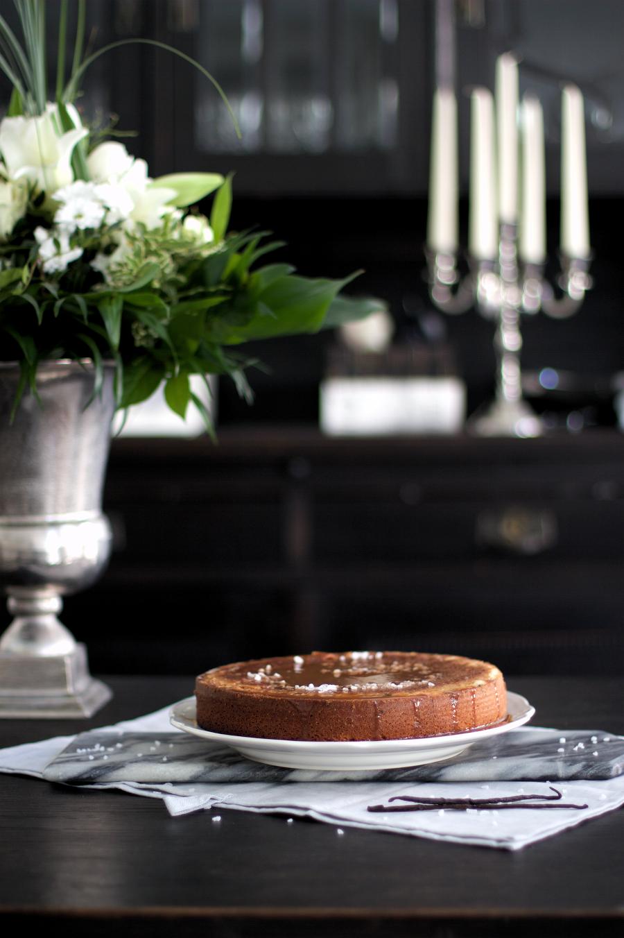 The Dashing Rider Flowers Caramel Cake