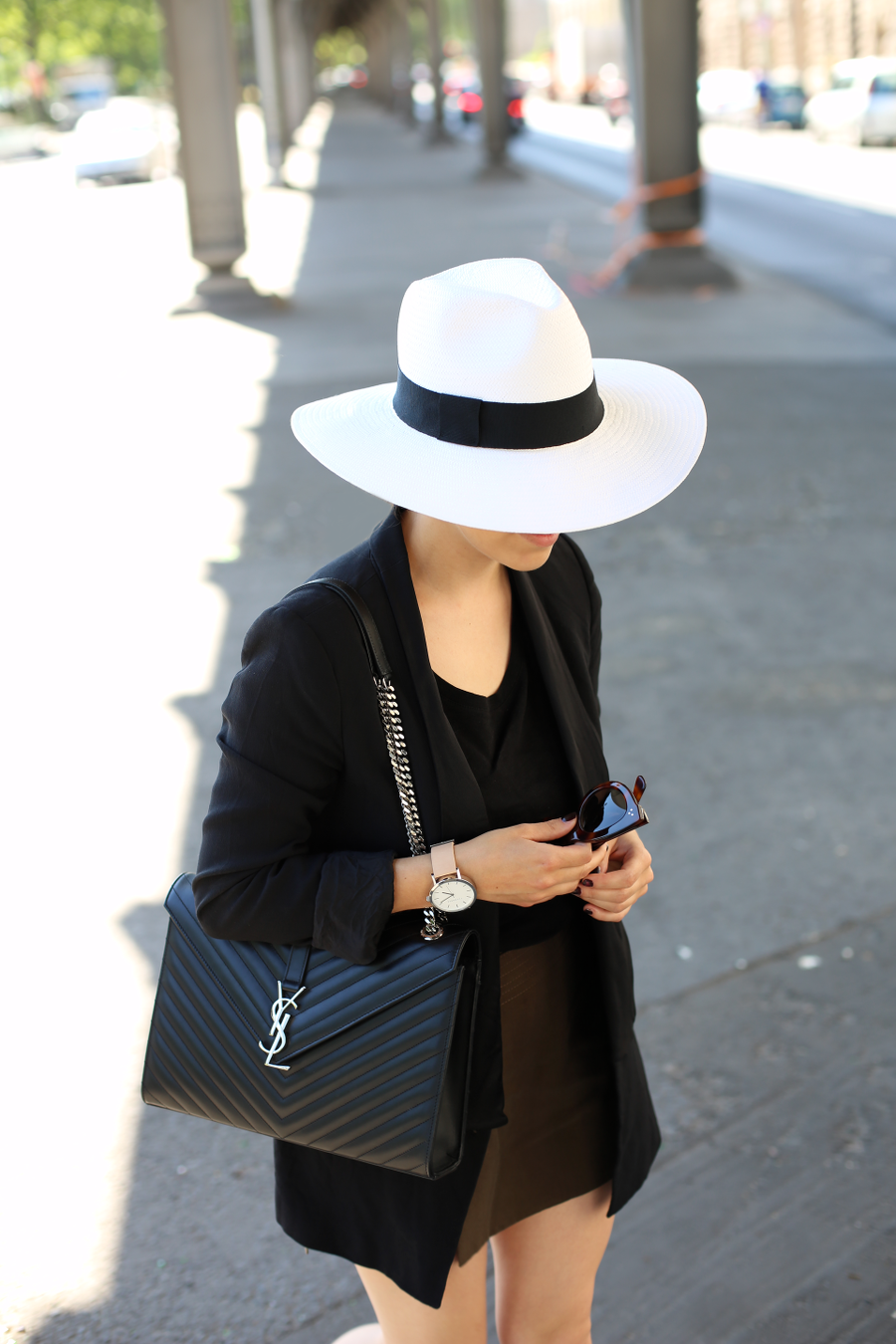 Black White Summer Outfit with Hat