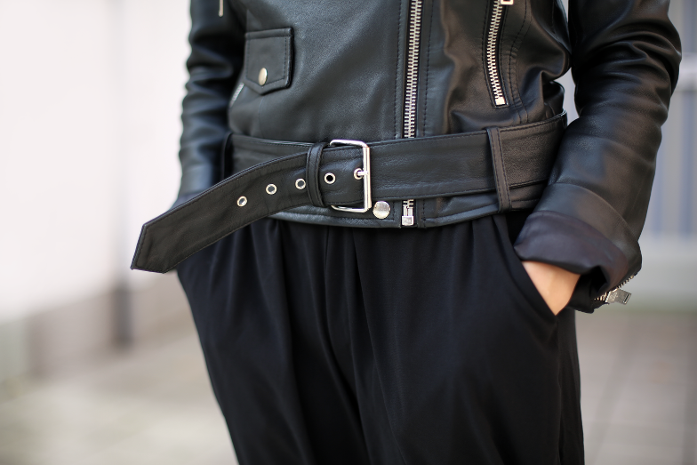 All Black Outfit Edited Biker Jacke