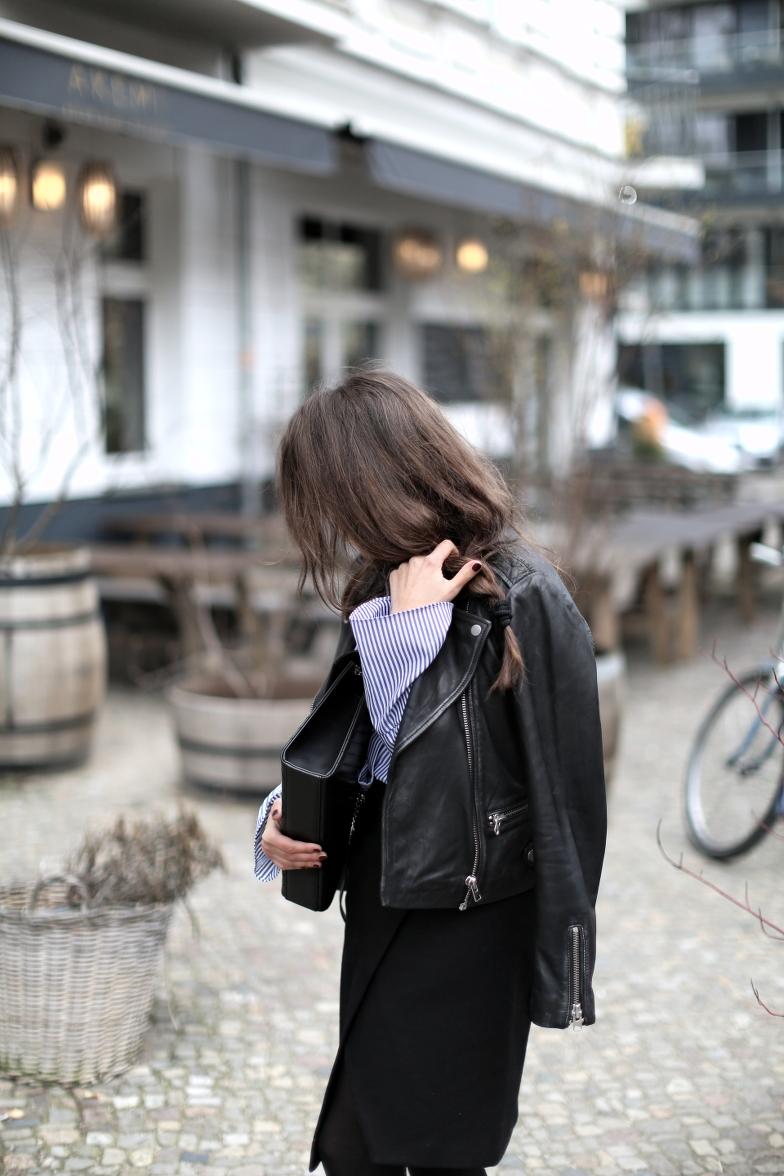 Black Biker Jacket Spring Outfit