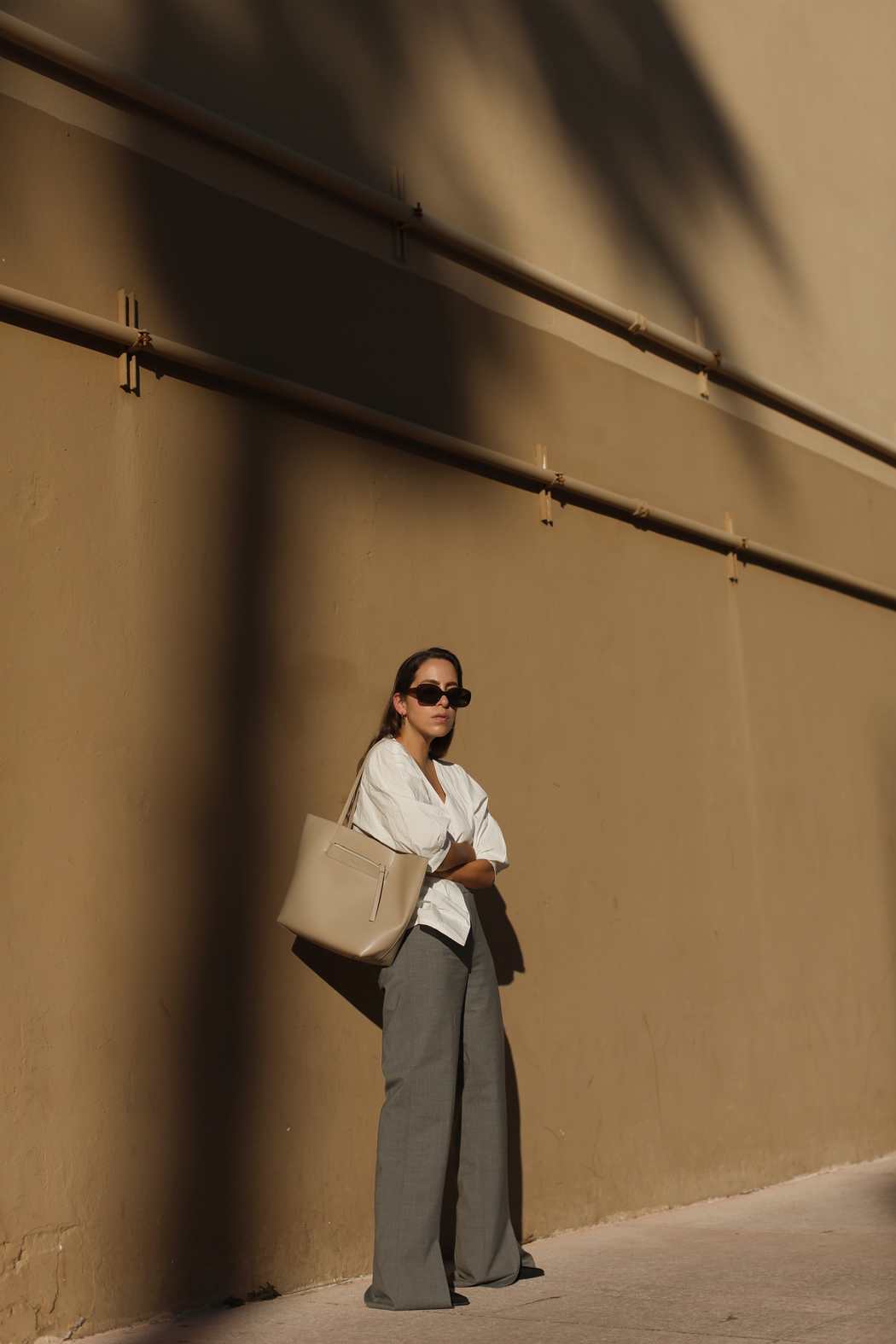 THE LOOK - Flared Halston Pants in Miami