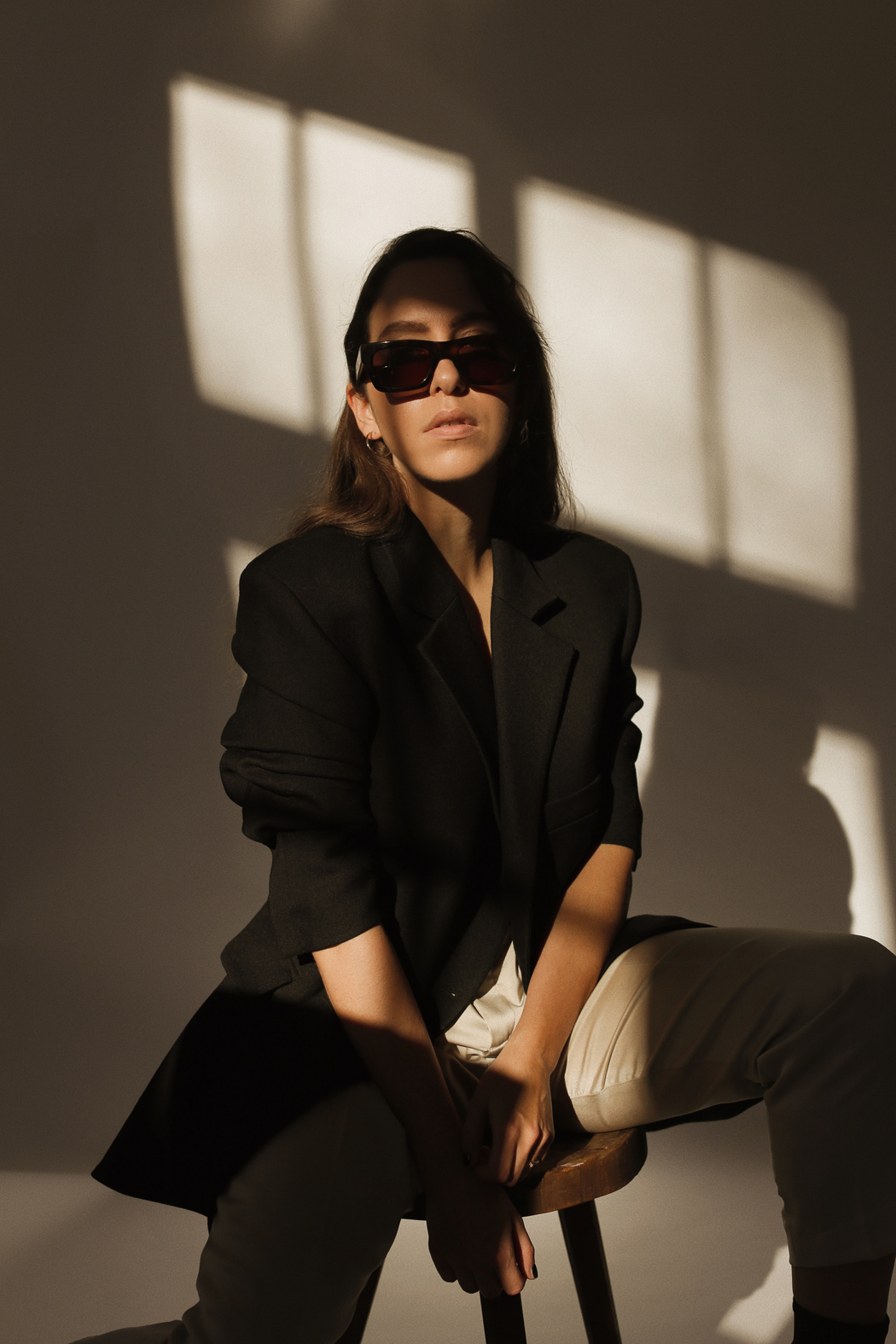 The Look - Fiona Dinkelbach Jacquemus Blazer and Sun Buddies Sunglasses